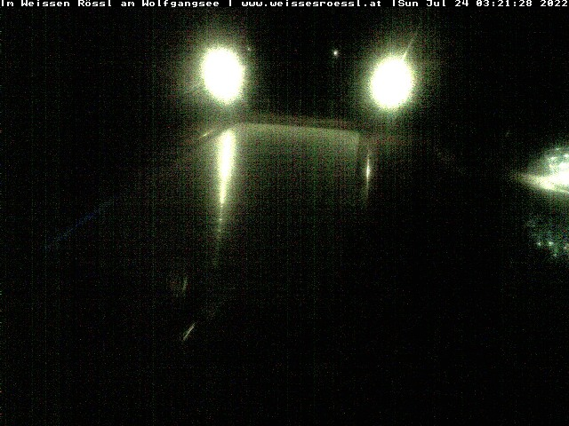 Webcam am Wolfgangsee auf die Pools des Hotels